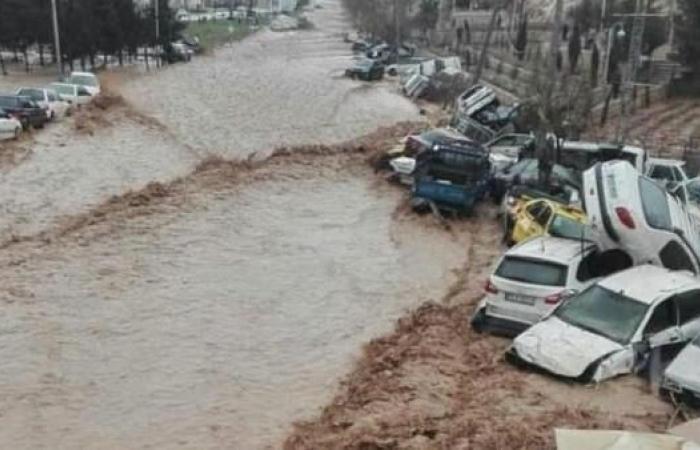 """إيران   طهران مهددة بـ""""طوفان"""" وسيول.. وارتفاع الوفيات لـ30"""