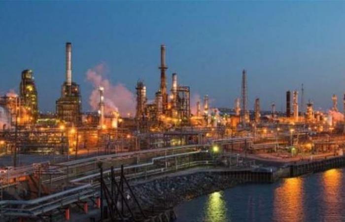 النفط يرتفع بفعل مخاوف المعروض