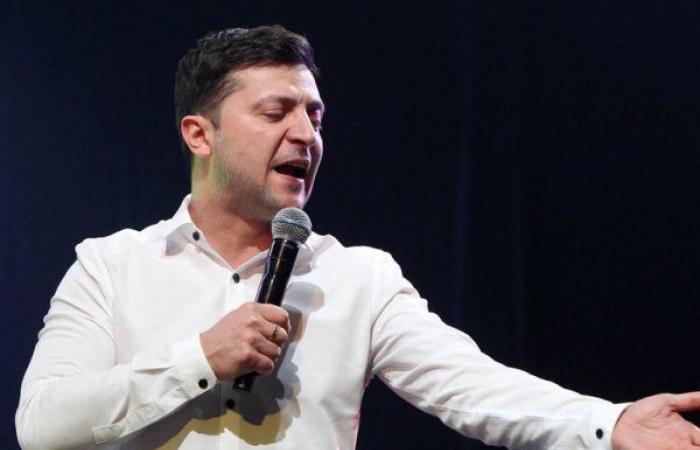 """""""كوميدي بلا خبرة سياسية"""" في طريقه لرئاسة أوكرانيا"""