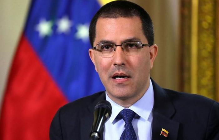 """تأكيدات """"الحياد"""" تستقبل وزير خارجية فنزويلا في بيروت"""