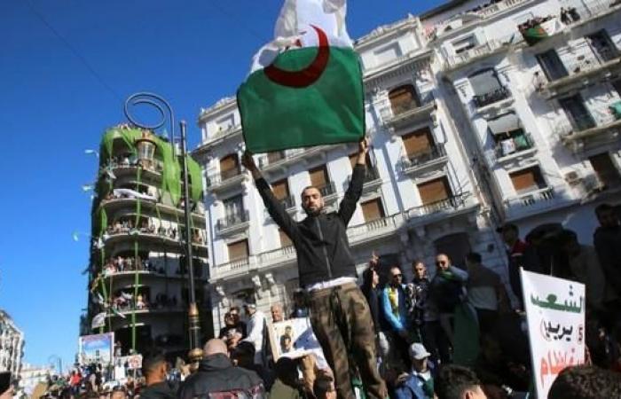 بعد استقاله بوتفليقة.. واشنطن: مستقبل الجزائر بيد شعبها