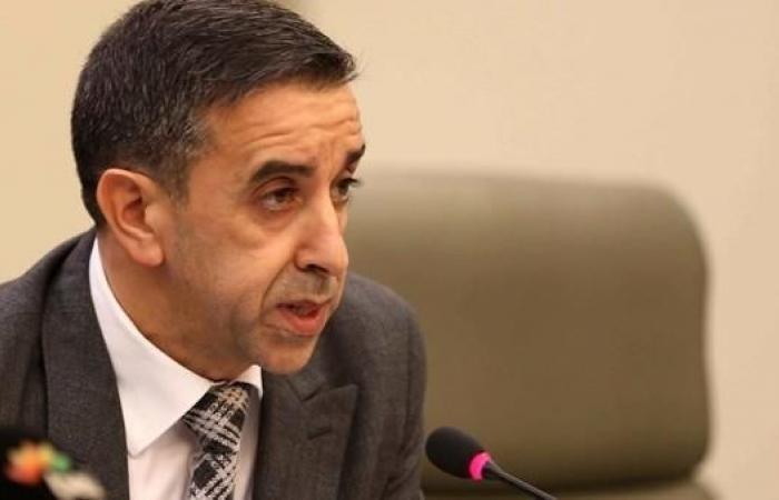 صحيفة جزائرية: ممول حملات بوتفليقة يتنكر لجنسيته ويستنجد بهذا السفير