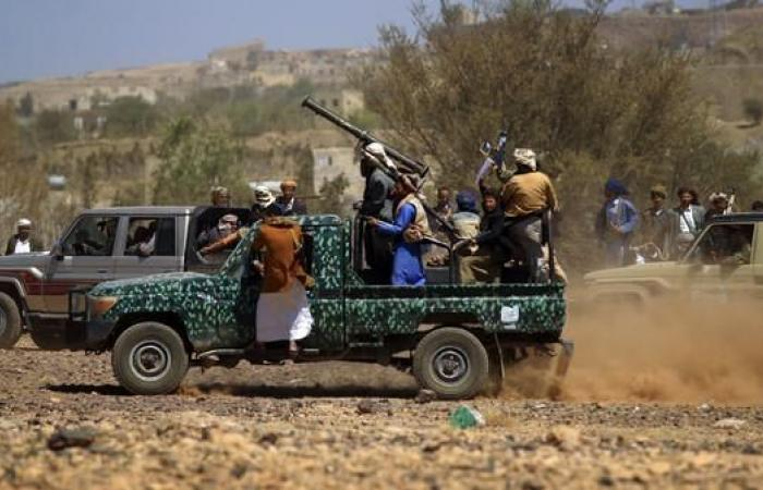 اليمن | الحوثيون يقتحمون منزل محافظ ويفجرون بيت شيخ قبلي بصنعاء