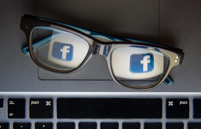 فيسبوك تفكر في تعيين محررين لاختيار الأخبار للمستخدمين