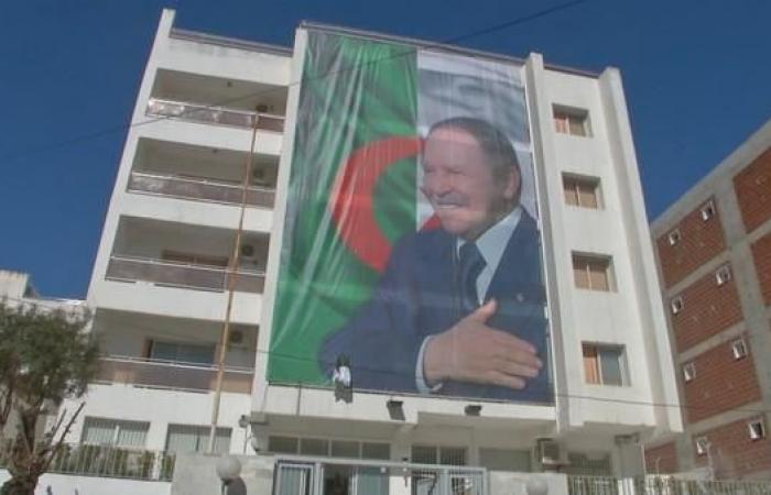 بعد بيان رئاسة الجزائر.. هل يتخذ بوتفليقة هذه القرارات؟