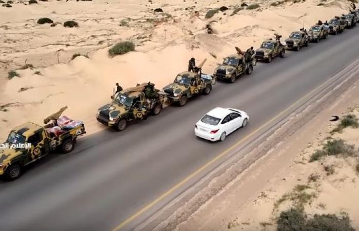 """أوامر للجيش الليبي بالتحرك غرباً لـ""""تحرير"""" طرابلس"""