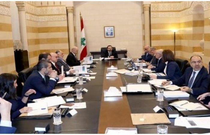 """لجنة """"الكهرباء"""" الوزارية: سجال ينتهي باعتذار أبو سليمان"""