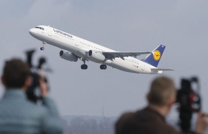 مشكلة تقنية تجبر طائرة إيه 380 على العودة بعد التحليق لساعات