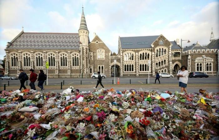 المتّهم بارتكاب مجزرة مسجدي نيوزيلندا سيحاكم بتهم قتل 50 شخصًا