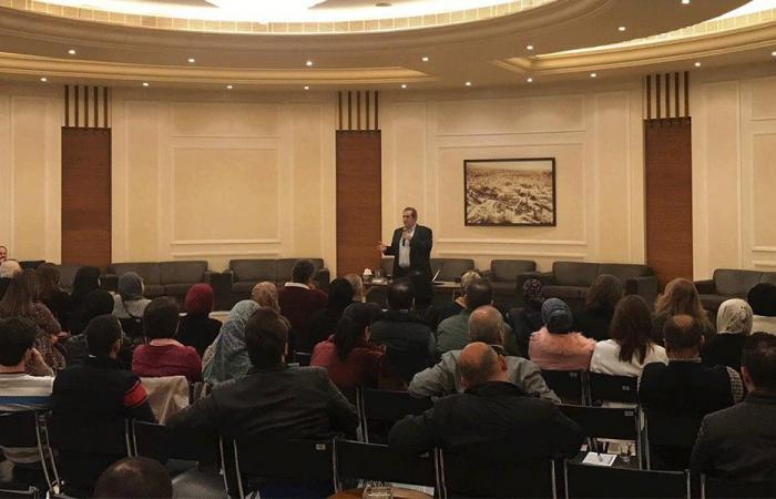 الصفدي يؤكد التزام خيار الحريري في فرعية طرابلس