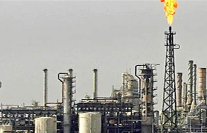 أسعار النفط تتراجع بفعل المخاوف الاقتصادية