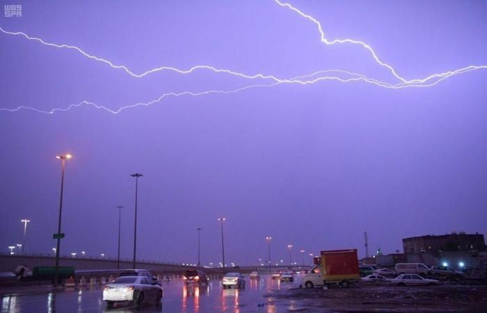الخليح   أمطار غزيرة في الرياض.. والأرصاد تحذر