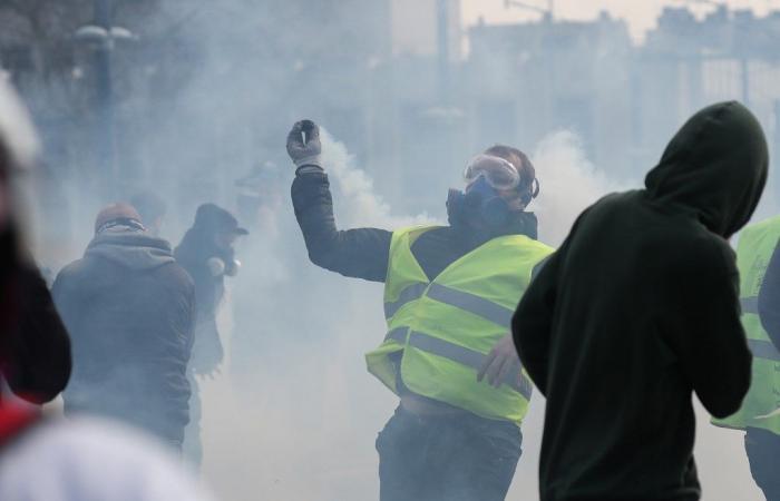 """تظاهرات جديدة """"للسترات الصفراء"""""""