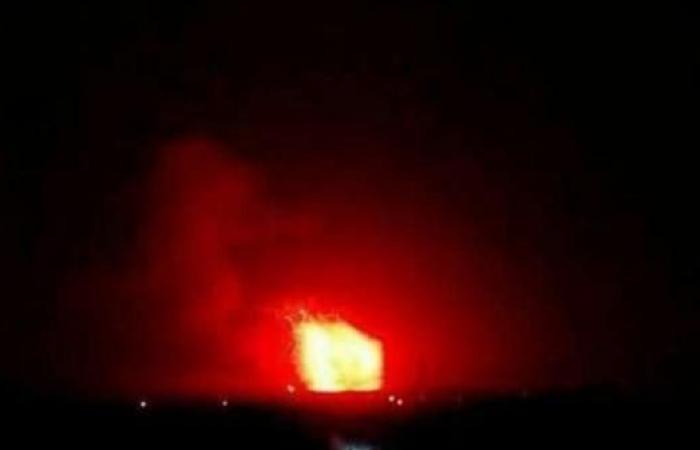 سوريا   إعلام النظام السوري: الدفاعات الجوية تتصدى لصواريخ معادية في مصياف بريف حماة
