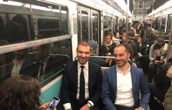 """بالصور: وزير لبناني بـ""""المترو"""" في فرنسا"""