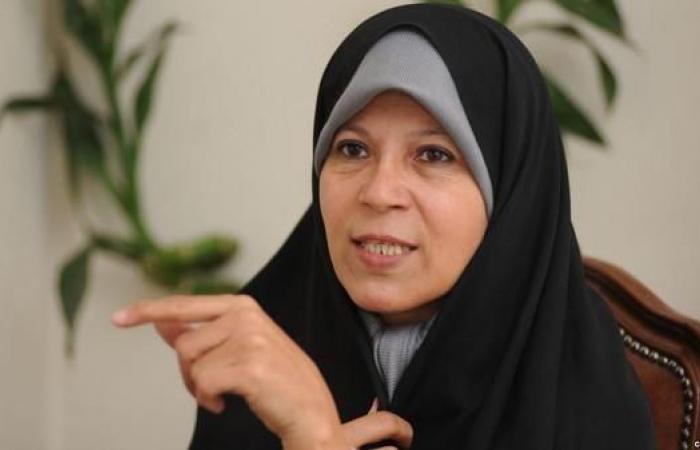 إيران   هذا ما قالته فائزة هاشمي عن الخميني والنساء وفرنسا
