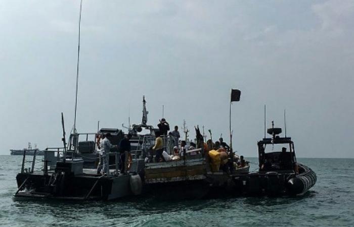 اعتراض سفينة تنقل 120 مهاجرا من سريلانكا في حزيرة لارينيون الفرنسية