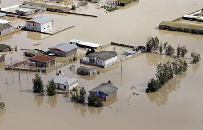إيران | خامنئي يرفض إغاثة ضحايا الفيضانات من صندوق التنمية