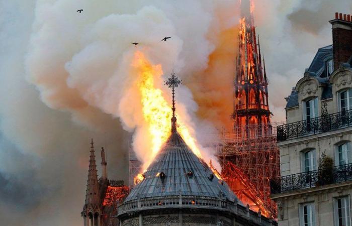 """افرام: هل هذه النيران """"طبيعية""""؟"""