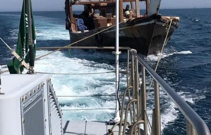 الخليح | حرس الحدود السعودي ينقذ كويتيا تعطل قاربه بالمياه الإقليمية