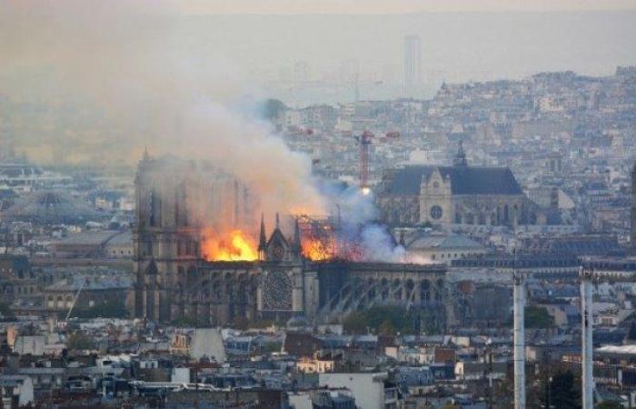 ماكرون: أنا حزين لرؤية جزء منا يحترق