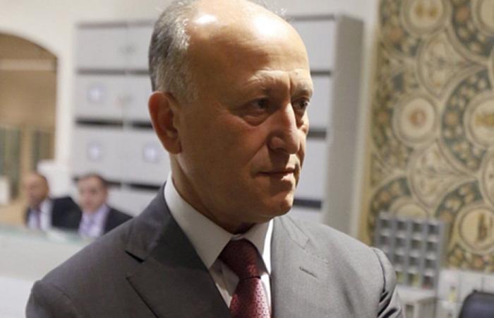 """ريفي يرد على """"من يفتح صالونات الشرف من مال اللبنانيين"""""""