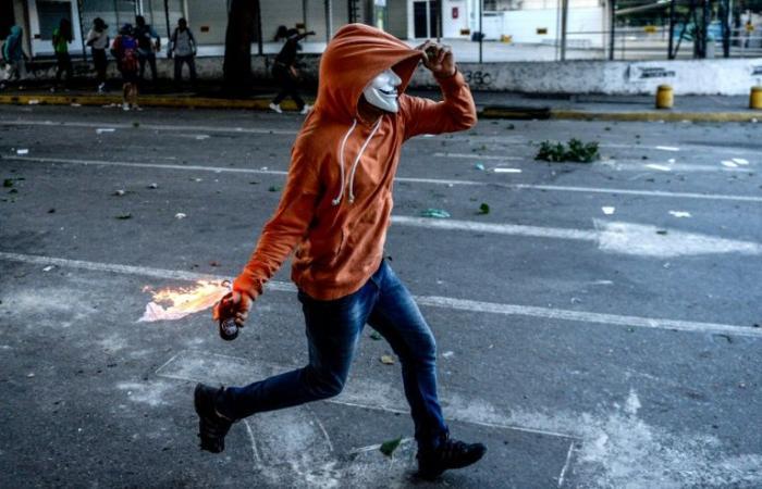 مزيد من الفنزويليين يطلبون اللجوء في أوروبا جراء الأزمة في بلادهم