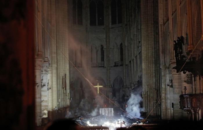 ماكرون: سنعيد بناء كاتدرائية نوتردام