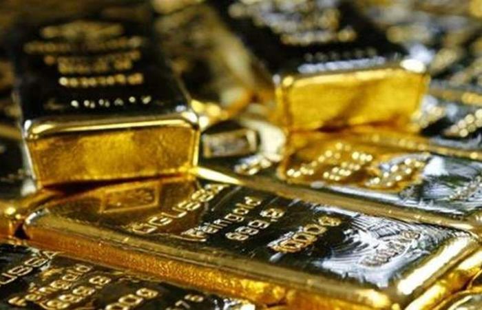 الذهب يواصل الهبوط