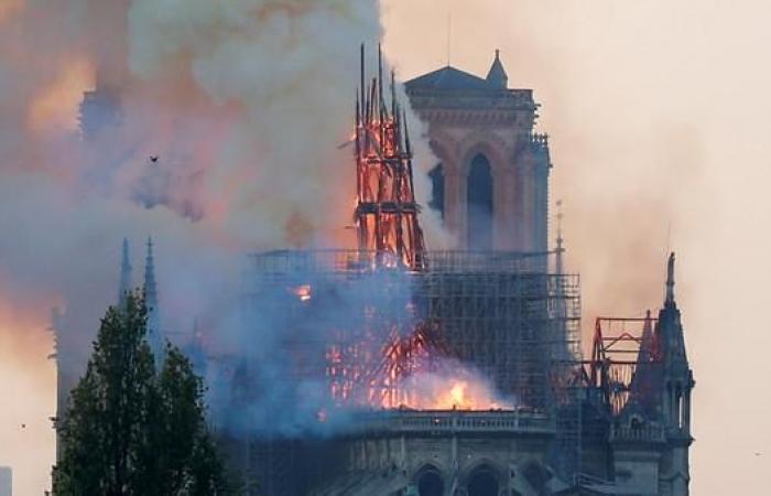 الخليح | السعودية تعلن تضامنها مع فرنسا وشعبها بعد الحريق في الكاتدرائية التاريخية