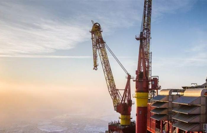 روسيا: خفض إنتاج النفط بما يتماشى مع اتفاق 'أوبك'