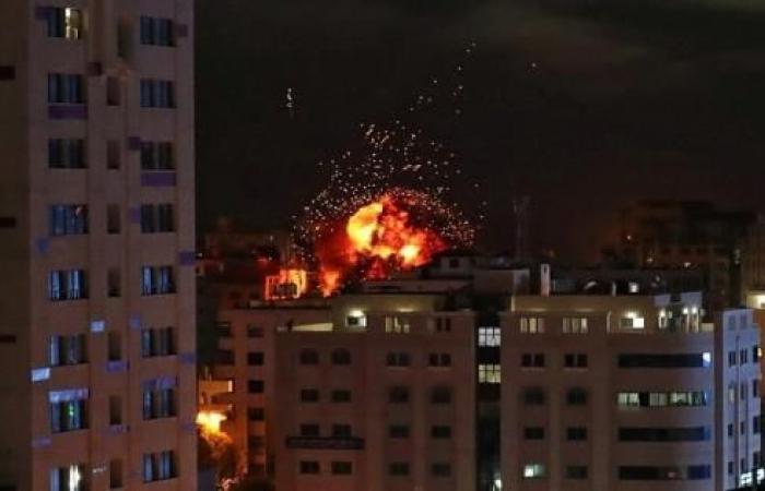 فلسطين | القتلى أطفال ونساء حوامل.. غزة تحت النار بـ120 غارة إسرائيلية والمقاومة تطلق رشقات صاروخية