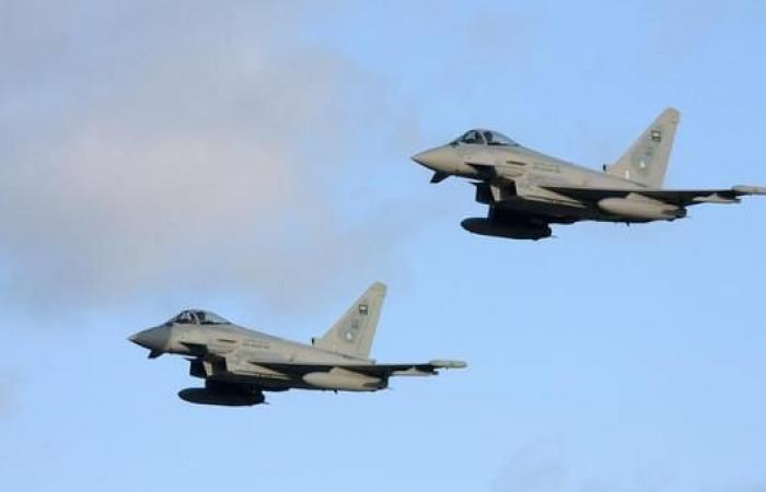 اليمن | اليمن.. طائرات التحالف تقصف معسكراً حوثياً في حجة