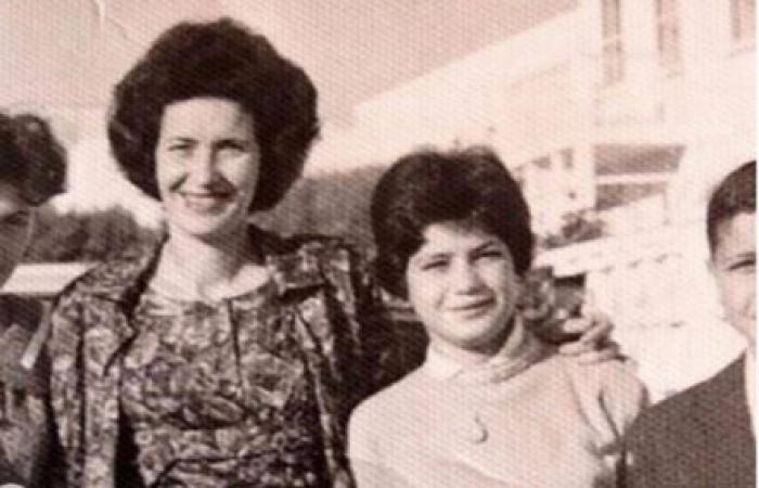 تعرّفوا على جدة جيجي وبيلا حديد العربية الأصل (صورة)