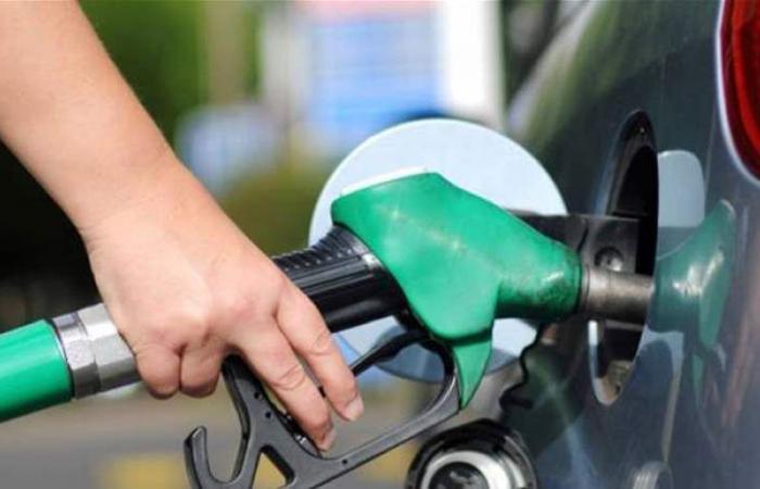 خبر سار للبنانيين.. انخفاض سعر البنزين