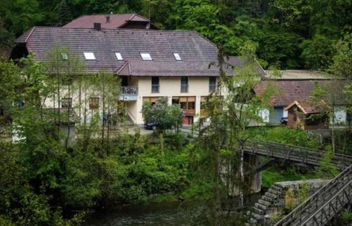قتيل السهام في ألمانيا زعيم جماعة سرية تحيي تقاليد من القرون الوسطى وتستعبد النساء