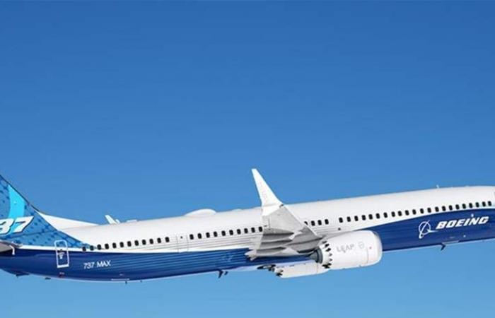 'بوينغ' تعترف بوجود خلل في '737 ماكس'.. ماذا قالت؟