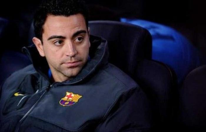 تشافي يكشف موقفه من تدريب برشلونة