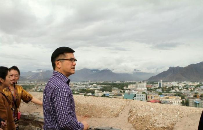 سفير الولايات المتحدة في الصين يقوم بزيارة نادرة إلى التيبت