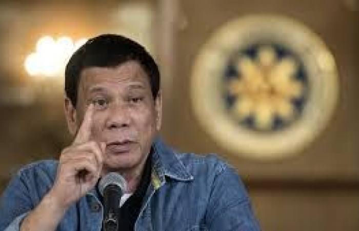 الرئيس الفلبيني يعزز قبضته على السلطة بالسيطرة على مجلس الشيوخ