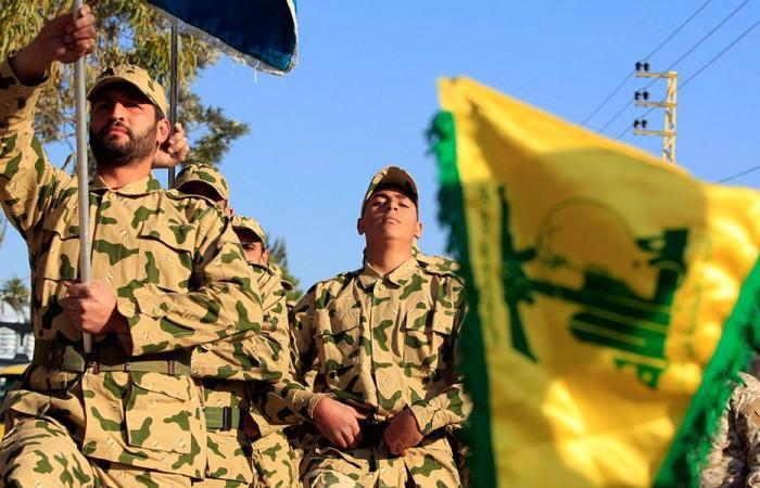 """صحيفة """"عكاظ"""" تسأل: كيف نقضي على """"حزب الله""""؟"""