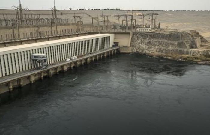 مصر | مصر.. قرار بتعويض المتضررين من بناء السد العالي