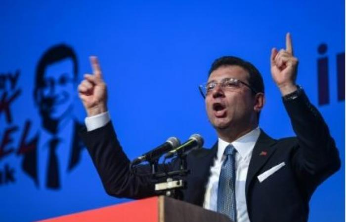 """إمام أوغلو يدين """"الأكاذيب"""" المساقة لإلغاء انتخابه رئيساً لبلدية اسطنبول"""