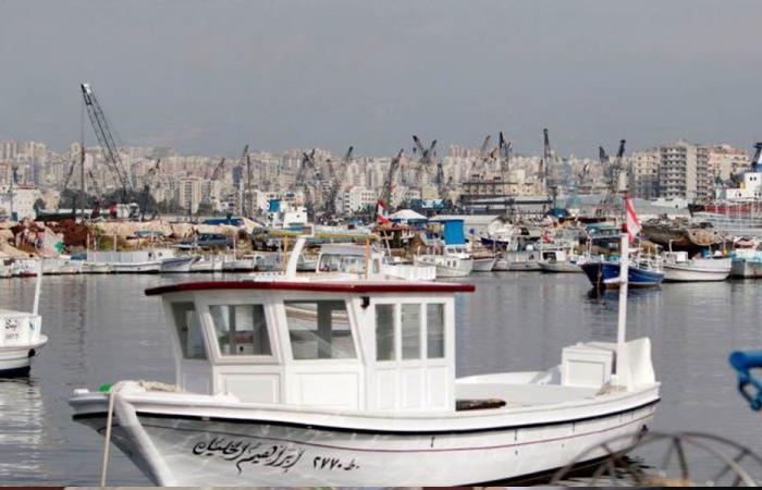 عمال مرفأ طرابلس حذروا من التوقف عن العمل