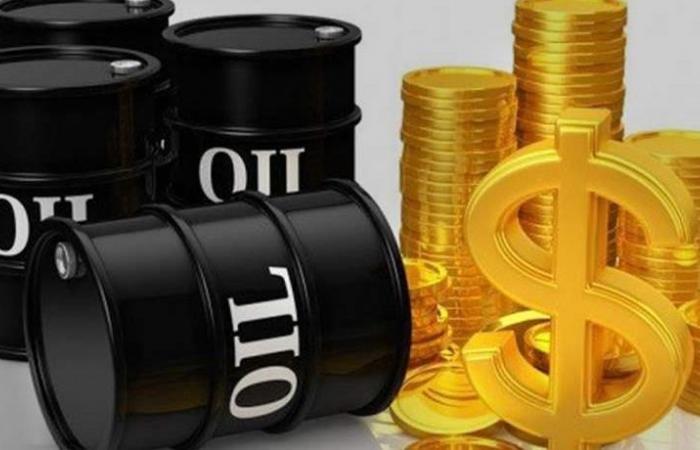 أسعار النفط تنخفض 1%