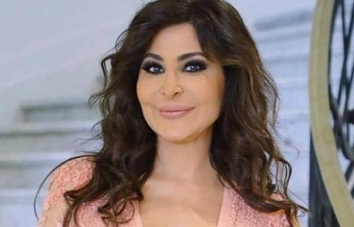 إليسا تدعم كارين رزق الله وتطمئن محبيها 'علاج عادي'