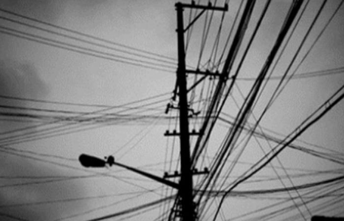 الكهرباء مقطوعة في المنية.. والأهالي يناشدون!