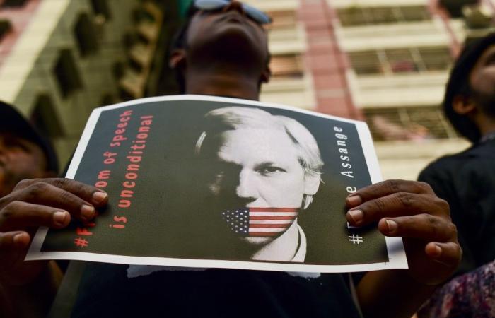 حقوقيون: اتهام أسانج يهدّد عمل الصحافيين الأميركيين