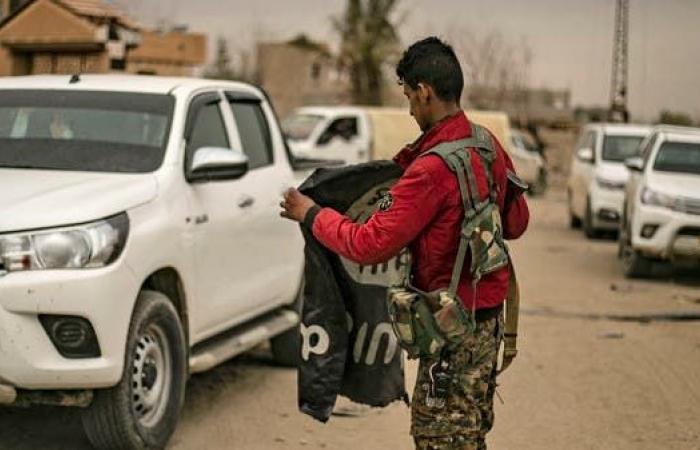 سوريا | مقبرة سيارات في الباغوز.. آليات داعش إلى الحسكة