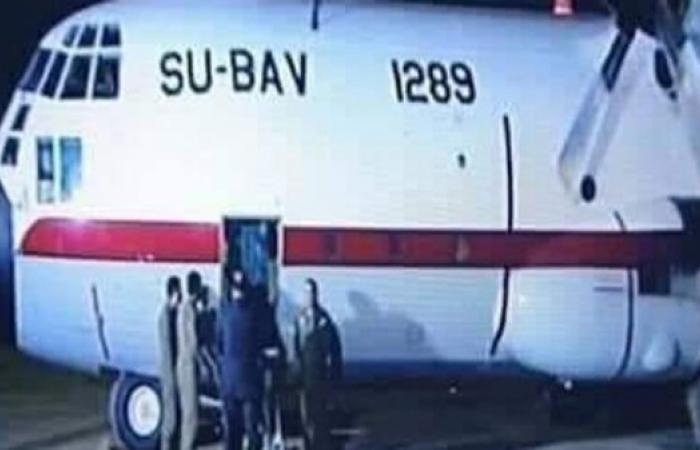 مصر | لماذا بثت مصر عملية تسلم أخطر إرهابي من ليبيا على الهواء؟